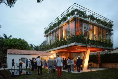 façade jardin - Sun Path House par Studio Christian Wassmann - Miami, USA