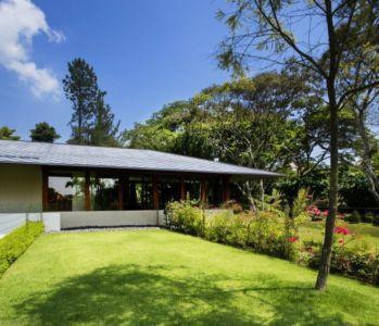 façade jardin - Tangga House par Guz Architects - Bukit Timah, Singapour