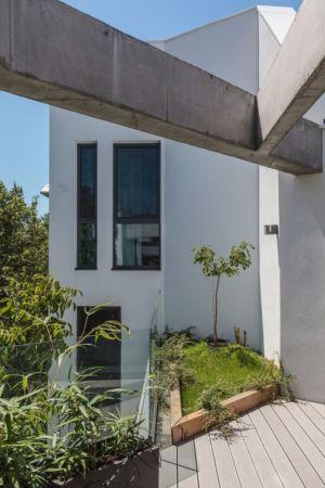façade jardin - Urban-Eco-House par Tecon Architects - Bucuresti Roumanie