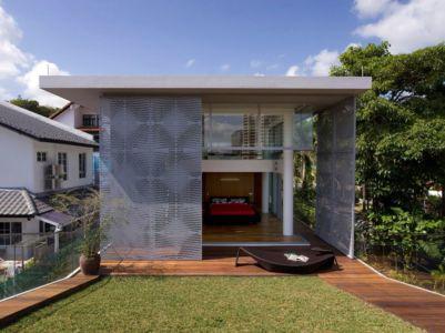 façade jardin & chambre ouverte à l'extérieure - Home-Walls par Mink Architects - Singapour