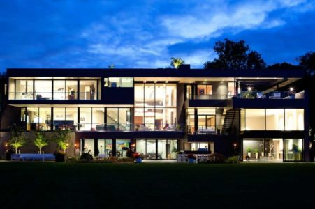façade jardin de nuit - Sands Point Residence par Narofsky Architecture - Long Island, Usa