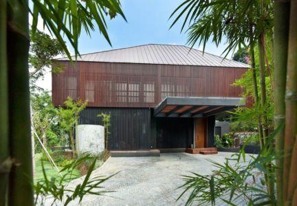 façade jardin & entrée - Victoria-Park par Ipli Architects - Singapour