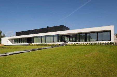 façade jardin & grande baie bitrée - Nemo-house par Mobius Architects - lac Mazurie, Pologne