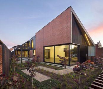 façade jardin - harold-residence par Jackson Clements Burrows - Melbourne, Australie