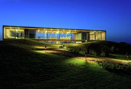 façade jardin illuminée - Panorama House par Ajay Sonar - Maharashtra, Inde