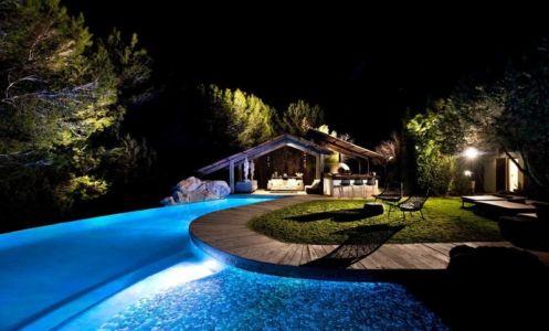 façade jardin & piscine de nuit - Ibiza-House par TG-Studio - île-Ibiza, espagne