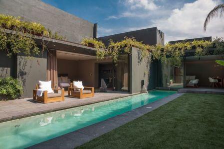 façade jardin & piscine - Barrancas House par Ezequielfarca Architecture & Design - Mexico, Mexique