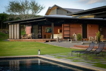 façade jardin & piscine - Kapalua-Home par Olson Kundig Kaprzycki Designs - Hawaï, USA