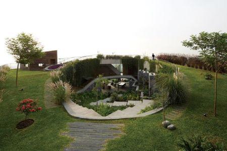 façade jardin & plantes - Pachamanca-House par 1-arquitectos - Lima, Pérou