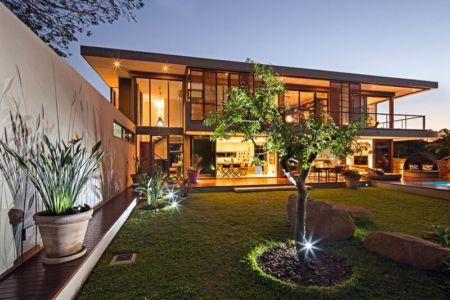 façade jardin terrasse - Aloe Ridge House par Metropole Architects - Kwa Zulu Natal, Afrique du Sud