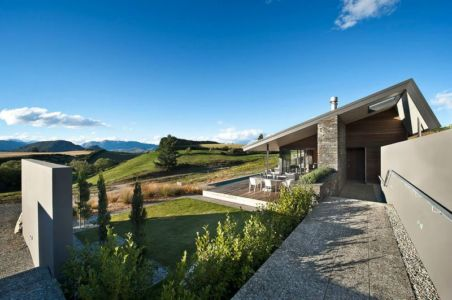 façade jardin & terrasse - modernist-style-house par Herriot+Melhuish Architecture - Central Otago, Nouvelle-Zelande