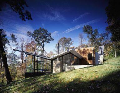 façade jardin versant colline - Hargrave-Residence par Robert M. Gurney Architect - Maryland, Etats-Unis