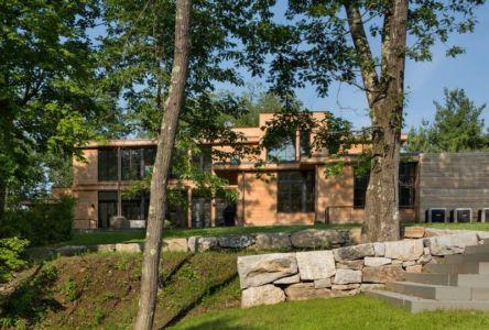 façade jardin & vue arrière - Milan-Hill-House par Studio Marchetti - New York, USA