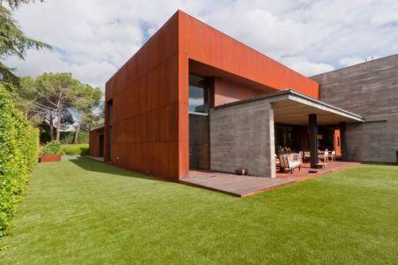 façade jardin & vue terrasse - villa-madrid par Modern Homes - Madrid, Espagne