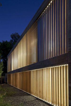 façade et brise soleil en bois - House-for-Architect par Pitsou Kedem Architects - Ramat Hasharon, Israël