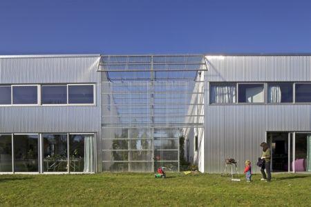 façade - maison agence par hérard & da costa portada -Neuville-sur-Seine, France - photo philippe ruault
