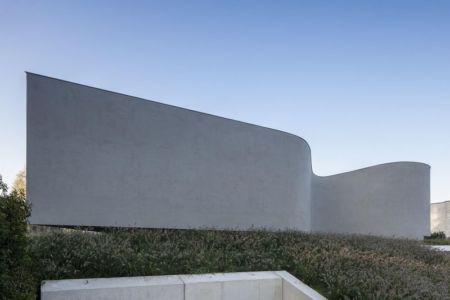 façade murs incurvés - Villa-MQ par Office O architects - Belgique