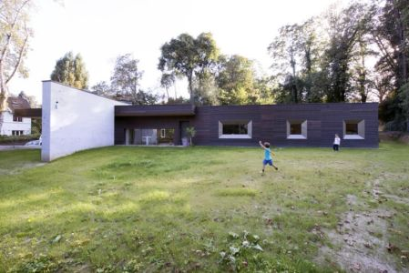 façade nord - War house par A+B architectes - Montmorency, France