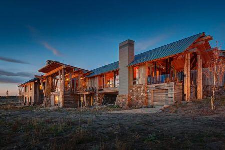 façade nuit garage - Wolf Creek Ranch par S+D Architects - Utah, Usa