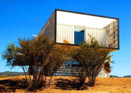 façade ouest - Infiniski Manifesto House par james&mau arquitectura - Curacaví, Chili - photo Antonio Corcuera