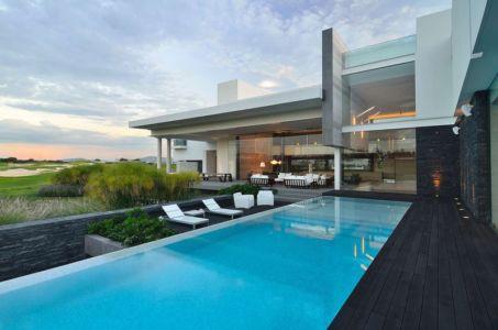 façade piscine - JRB House par Reims Arquitectura - Santa Domingo, Mexique