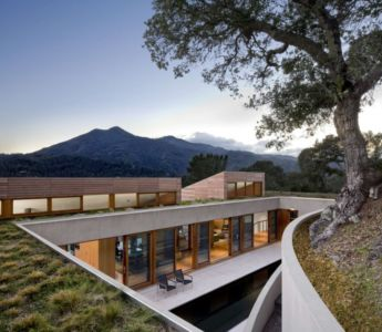façade piscine - Kentfield Residence par Turnbull Griffin Haesloop Architects - Kentfield, Usa