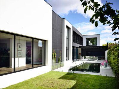 façade piscine - Kew House par Amber Hope Design - Melbourne, Australie