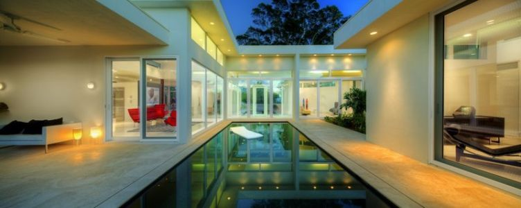 façade piscine - Light Box House par Jonathan Parks Architect - Lido Shores, Sarasota, Usa