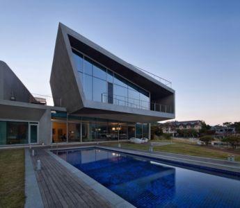 façade piscine - Maison Rivendell par IDMM Architects - Corée du sud