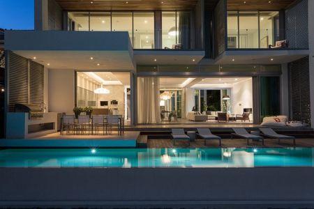 façade piscine - Peribere Residence par Max Strang Architecture - Biscayne Bay, Usa
