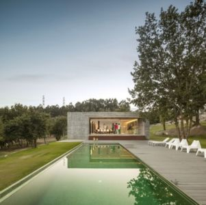 façade piscine - Sambade House by spaceworkers - Penafiel, Portugal