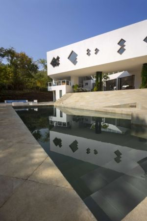 façade piscine - Tomoe Villas par Note Design - ALibag, Inde