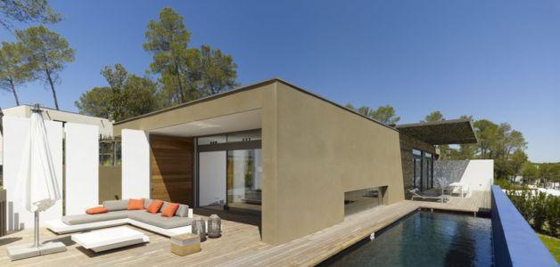 façade piscine - Villa T  par Boyer Percheron Assus architecture - Saint-Gély-du-Fesc, France