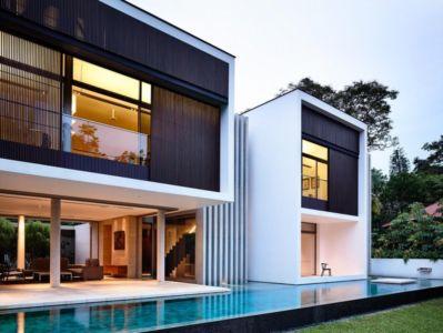 façade piscine de nuit - 59BTP House par ONG&ONG - Singapour