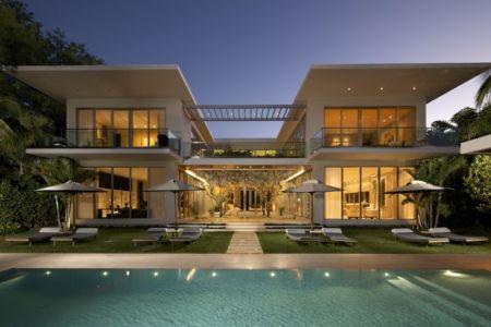 façade piscine de nuit - Mimo house par Kobi Karp architecture - Miami Beach, Usa