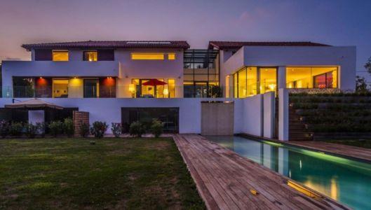façade piscine de nuit - Villa Horizon - Arbonne - France