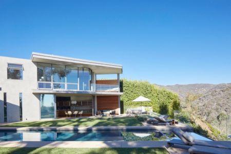 façade piscine et panorama - Chatauqua Residence par Studio William Hefner - Californie, Usa