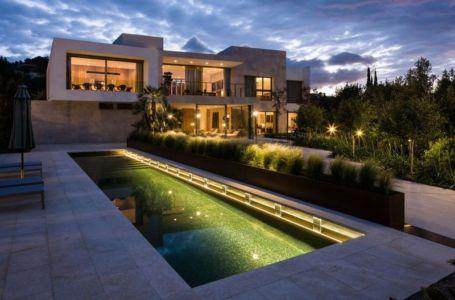 façade piscine extérieure - Vivienda en Son Vida par Negre Studio & Rambla 9 Arquitectura - Palma de Majorque, Espagne