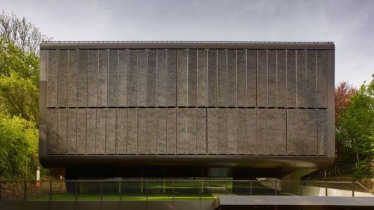 façade porte à faux - House-GT par Archinauten - Linz, Autriche