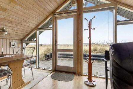 façade porte vitrée entrée - Tiny-house par Tiny Sod Roofed - Côtes Nord, Danemark