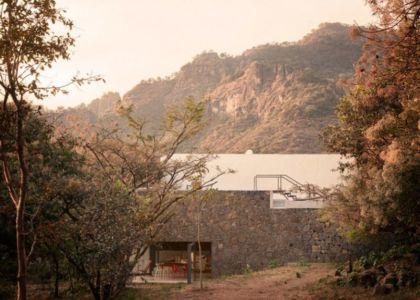 façade principale - Casa-Meztitla par EDAA - Tepoztlan, Mexique