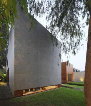 façade principale - House-H par Jaime Ortiz Zevallos - Lima, Pérou