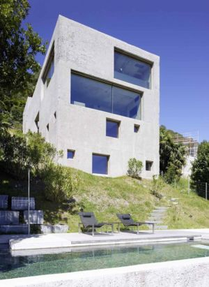 façade psicine - House in Brissago par Wespi de Meuron Romeo architects - Brissago, Suisse