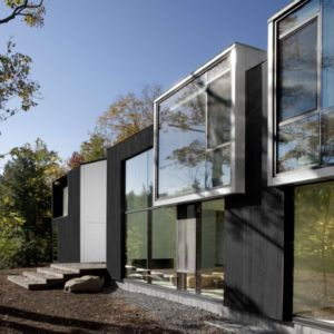 façade rivière - Private Residence St-Sauveur par Saucier + Perrotte architectes - Saint-Sauveur, Canada