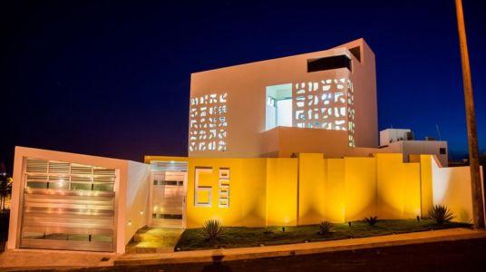 façade rue - Nest house par Gerardo Ars Arquitectura - Alvarado, Mexique