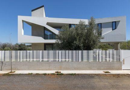 façade rue - Paradox house par Klab architecture - Athènes, Grèce