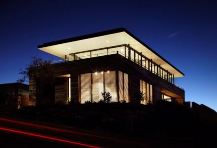 façade rue de nuit - Lamble Residence par Smart Design Studio - New South Wales, Australie