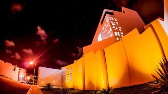 façade rue de nuit - Nest house par Gerardo Ars Arquitectura - Alvarado, Mexique