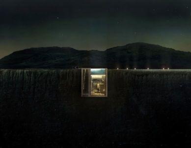 façade semi-enterrée nuit - Casa Brutale par OPA_Open Plateform - Grèce