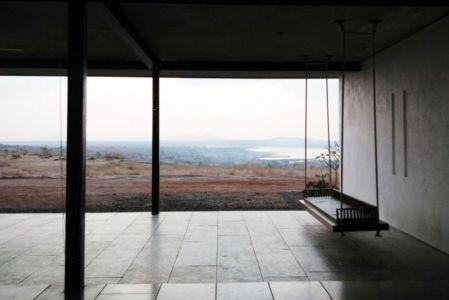 façade terrasse - Deolali House par Spam Design Architects - Deolali, Inde